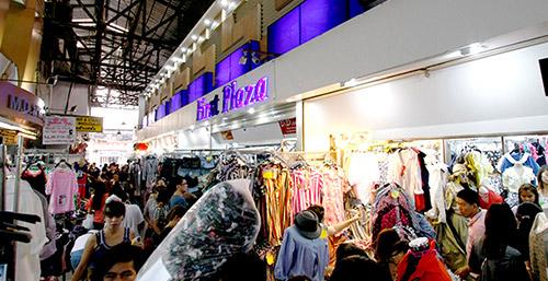 Pratunam Market     (Walk 3 Minute)
