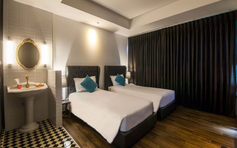 First House Bangkok : Premier Room Double