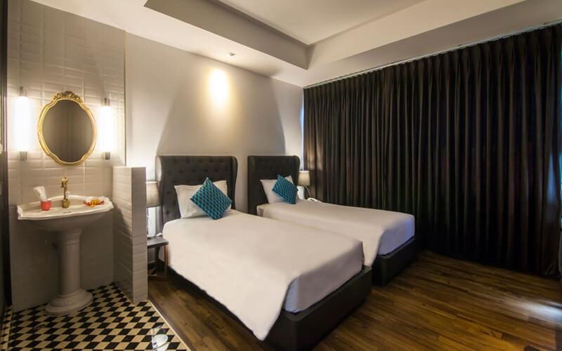 First House Bangkok : Premier Room Double