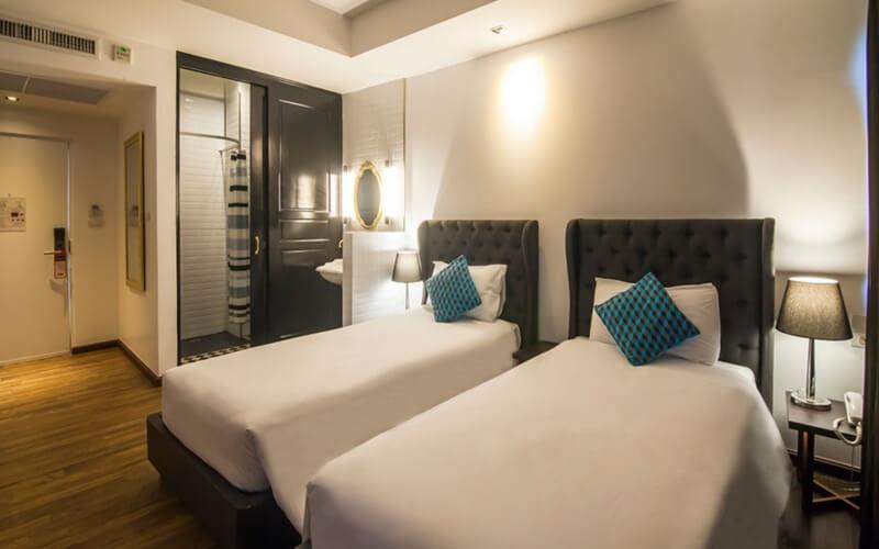 First House Bangkok : Premier Room Twin
