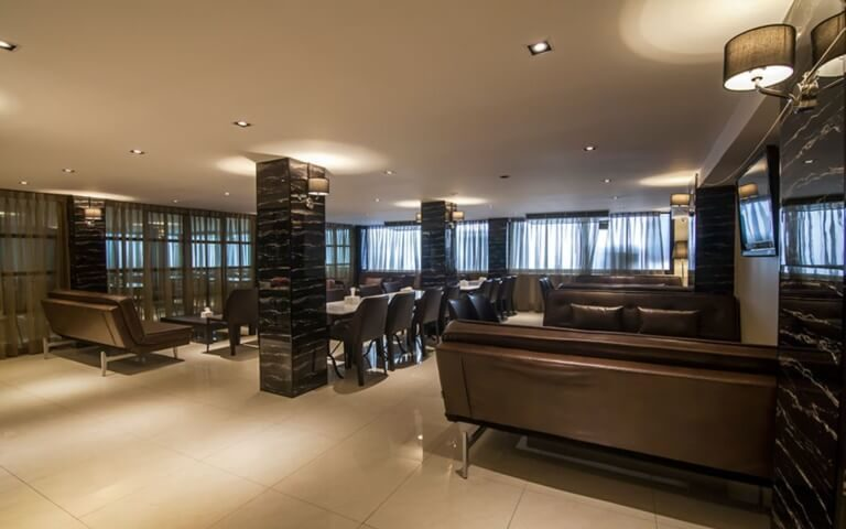 First House Bangkok : First Club Lounge