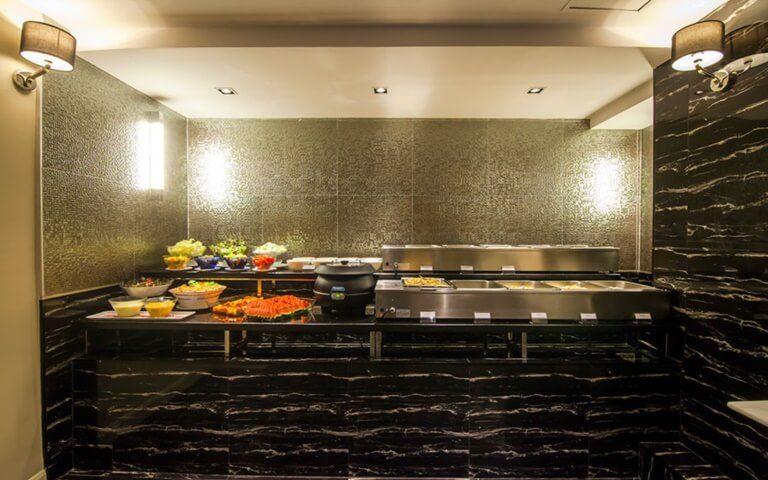 First House Bangkok : First Club Lounge